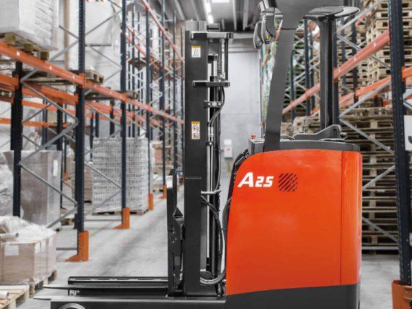 Xe nâng Reach Truck đứng lái 2 – 2.5 tấn